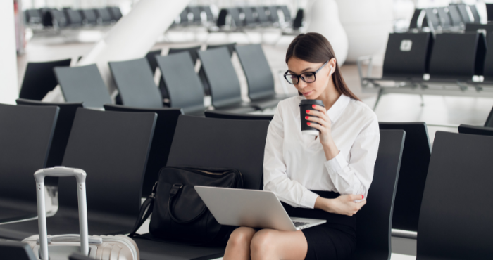 dual-qualified-lawyer-working-studying-in-airport